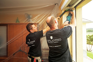 Coplaning-Monteure arbeiten so staubarm und sauber wie möglich