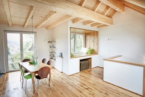 """Blick von der Küche aus in Richtung der """"Lesekoje""""<span class=""""bildnachweis"""">Fotos: Lars Behrendt</span>"""