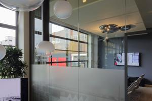 """Dem Konferenzraum """"Mies van der Rohe"""" vorgelagerter Lounge"""