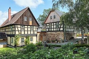 Ein Handwerkerpreis ging für eine Vierseithof in Selka an die ortsansässige Zimmerei Benjamin Dittrich und den Lehmbauer Eckhard Beuchel aus Blankenhai