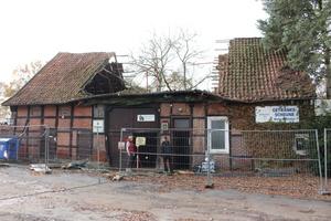 Dieses stark beschädigte Fachwerkhaus wird zur Bestandssicherung gescannt