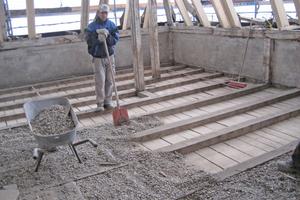 Rechts: Rückbau der Fehlbodendecke