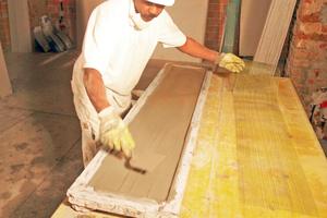 Für dünne Stuckelemente verwendeten die Handwerker Glasfasergewebe als Armierung