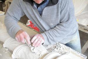 Selbst Bildhauerarbeiten gehören zum Portfolio Foto: Restauro Putz