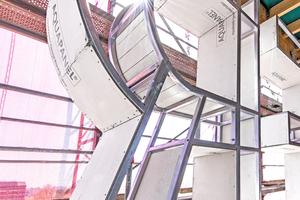 """Aufwendige Handarbeit: Auch für die Buchstaben der Turmschrift wurden Metallprofile mit den zementgebundenen Bauplatten bestückt<span class=""""bildnachweis"""">Fotos: Knauf Aquapanel / Ekkehard Reinsch</span>"""