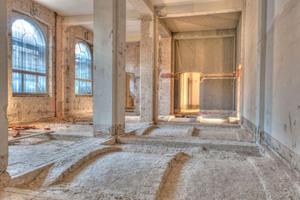 """Im Erdgeschoss brachen die Handwerker den alten Bodenaufbau bis auf die Gewölbedecken ab<span class=""""bildnachweis"""">Fotos: Claus Cordes / HAUM</span>"""
