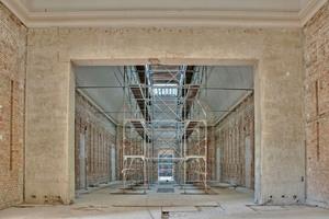 Blick in einen der eingerüsteten Oberlichtsäle während der Sanierungs- und Umbauarbeiten