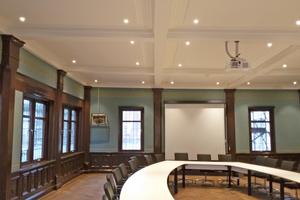 Der einst als Festsaal errichtete Württembergische Hofgerichtssaal wird als Sitzungssaal genutzt