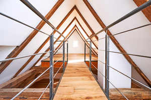 """Auch das Dach wird genutzt – als Galerie, die über eine maßgeschneiderte Wendeltreppe erreichbar ist<span class=""""bildnachweis"""">Foto: Knauf Aquapanel / Ekkehart Reinsch</span>"""