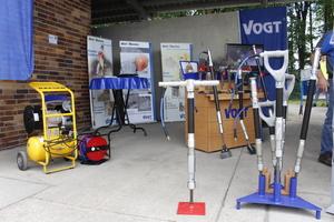 Pressluftbetriebenen Hammer-Meißel auf dem Stand der Firma Vogt