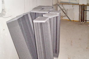 """Die Neopor-Rollladenkästen bestehen aus Seitenteilen, Oberschale und Verschlussdeckel-Dämmung<span class=""""bildnachweis"""">Fotos: DiHa</span>"""