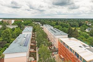 Fünf Bestandsgebäude des Wohnungsunternehmens Märkische Scholle wurden in Berlin-Lichterfelde Süd zu Vergleichszwecken mit unterschiedlichen Dämmmaterialien saniert