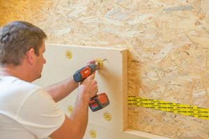 Anbringung auf einer Holzunterkonstruktion