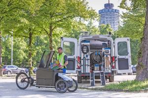 """Professionelles Nutzfahrzeug: Das Elektro-Lastenfahrrad """"ProCargo CT1"""" von Sortimo transportiert bis zu 240kg, verfügt über Ladungssicherung und verschiedene AufbauvariantenFotos: Sortimo"""