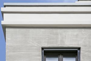 """Auch an modernen Gebäuden kann eine historische Putzoberfläche, hier ein Kammzugputz, interessante Akzente setzen<span class=""""bildnachweis"""">Fotos: Heck Wall Systems</span>"""