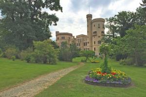 Das Schloss und der Park Babelsberg gehören zum UNESCO Weltkulturerbe. Um die historische Anlage zu erhalten, veranlasste die Stiftung Preußische Schlösser und Gärten Berlin-Brandenburg umfangreiche Sanierungsarbeiten