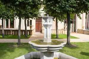 Ohne bauliche Veränderung haben die Verarbeiter die Brunnen saniert. So bleibt der historische Charakter im Sinne des Denkmalschutzes erhalten