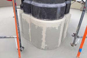 """Zahlreiche Details wie die Aufkantungen der Brunnenstöcke wurden mit dem vliesarmierten """"Triflex ProDetail"""" in die Abdichtung eingebunden"""