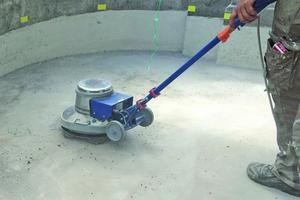 Untergrundvorbereitung durch Einsatz einer Schleifmaschine