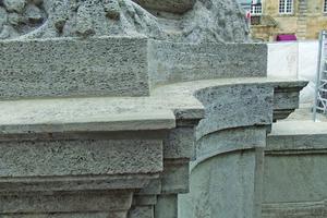 Formergänzung mit Restauriermörtel nach Überarbeitung und Anpassung an die Steinoberflächen