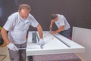 Vorbereitung der Deckensegel mit einer stabilisierenden Schiene