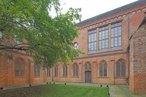 Kreuzganginnenhof oder Quadrum des Burgklosters
