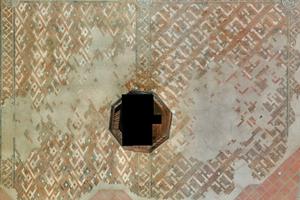 Schmuckfußboden in der Sakristei vor der Restaurierung