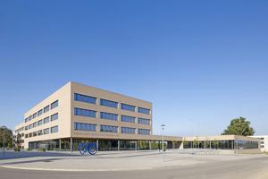 """In Regensburg ist jetzt auf dem ehemaligen Gelände der Bundeswehr ein neues Bildungszentrum entstanden<span class=""""bildnachweis"""">Foto: Stefan Müller-Naumann</span>"""