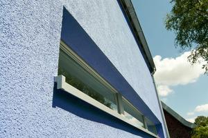 """Das Fensterbanksystem """"TwoSafe"""" verhindert zuverlässig Feuchteschäden und Stauchungsrisse und ermöglicht eine einheitliche Farb- und Materialgebung"""
