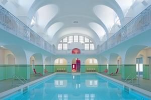 Das Schwimmbecken im Jugendstilbad nach Abschluss der Sanierungsarbeiten Fotos: Klemens Ortmeyer