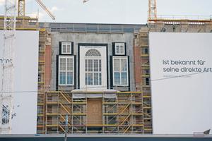 Bildau & Bussmann erhielt den Auftrag, die großen Portalfenster für das Berliner Schloss zu liefern und einzubauen