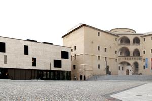 Im sanierten Schloss Wittenberg befinden sich heute Arbeitsräume für das Predigerseminar, das Besucherzentrum und die reformationsgeschichtliche Forschungsbibliothek mit Magazin⇥Foto: Thomas Schwarzmann