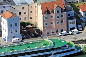 Akut hochwassergefährdet: das Hotel Residenz in Passau