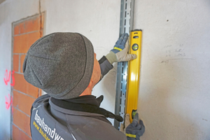 Ausrichten und Einmessen eines Wandprofils