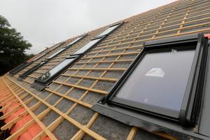 Insgesamt wurden 18 Dachflächenfenster eingebaut<br />