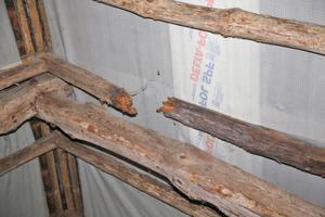 Der alte Dachstuhl war marode