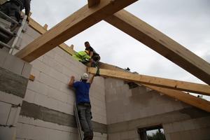 Errichtung des neuen Dachstuhls<br /><br />