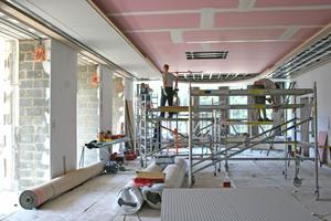 Oben Links: Ausbau des oberen Treppenfoyersaales