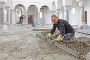 Die lange Verarbeitungszeit von rund einer Stunde gab den Handwerkern genügend Zeit für den Einbau der großen Estrichflächen