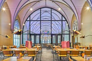 """Neue Nutzung von historischem Bestand: Aus einer Kirche in Breda wurde ein Hotel<span class=""""bildnachweis"""">Foto: Joseph Briaire</span>"""