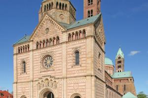 """West- und Ostseite des Doms zu Speyer<span class=""""bildnachweis"""">Fotos (3): Thomas Wieckhorst</span>"""