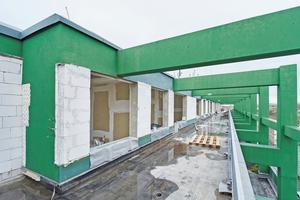 Am Anfang der Umnutzung zu Wohnraum stand die vollständige Entkernung der beiden oberen Etagen