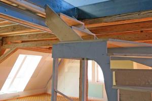 """Rechts: Treppenmöbel während der Ausführung im Detail<span class=""""bildnachweis"""">Fotos (4): Coastoffice / David Franck</span>"""