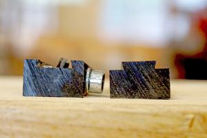 Schon beim ersten Entwurf werden die Keile durch einen Schwalbenschwanz verbunden