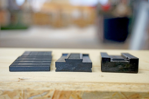 """Demontierter """"FlexKeil"""" mit Gleitplatte (links im Bild)"""