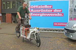 Dirk Schmidt und seine Mitarbeiter benutzen normale Nutzfahrzeuge nur noch selten