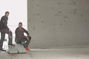 """Die """"Comfort Plus"""" erfüllt die Anforderungen von Fliesen-, Estrich- und Parkettleger an eine sichere, funktionale und komfortable Arbeitskleidung<span class=""""bildnachweis"""">Foto: BP</span>"""