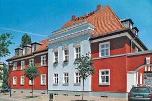 Ansprechende, funktionale und ökologische Fassadengestaltung mit mineralischen Edelkratzputzen hat sich seit Jahrhunderten bewährt