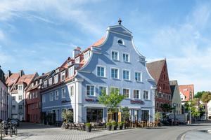 """Der Historie nachempfunden und damit ideal in die Umgebung eingefügt – so präsentiert sich das neue Hotel in Memmingen<span class=""""bildnachweis"""">Foto: tdx / Mein Ziegelhaus</span>"""