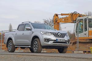 """Unser Testwagen: Der Renault """"Alaskan"""" mit 140 kW starkem dCi Twin-Turbo-Diesel ermöglicht eine Zuladung von bis zu 932 kg und zieht eine Anhängelast von bis zu 3,5 t Fotos: Olaf Meier"""